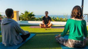 surfcamp tenerife - yoga
